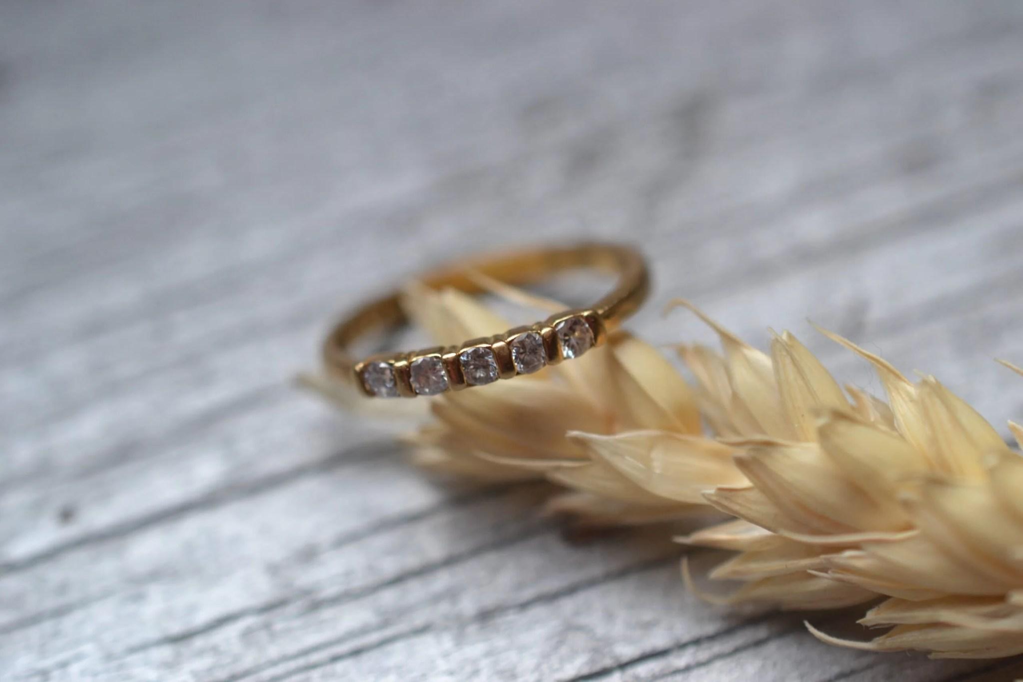 Alliance Demi Américaine Vintage En Or Jaune 18 Carats Et Diamants