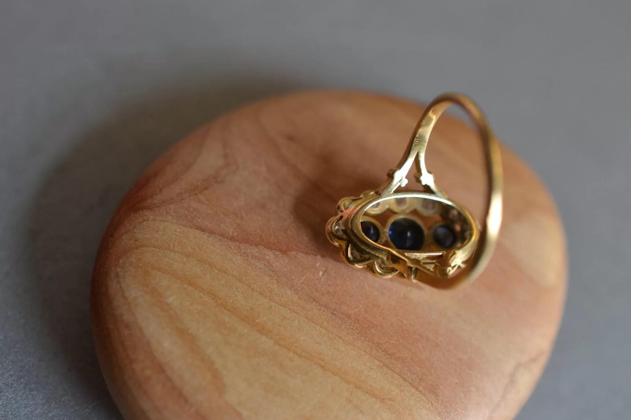 bague marquise saphir et diamants - en OR 18 carats 750:1000 - bague de fiançailles ancienne - noircarart