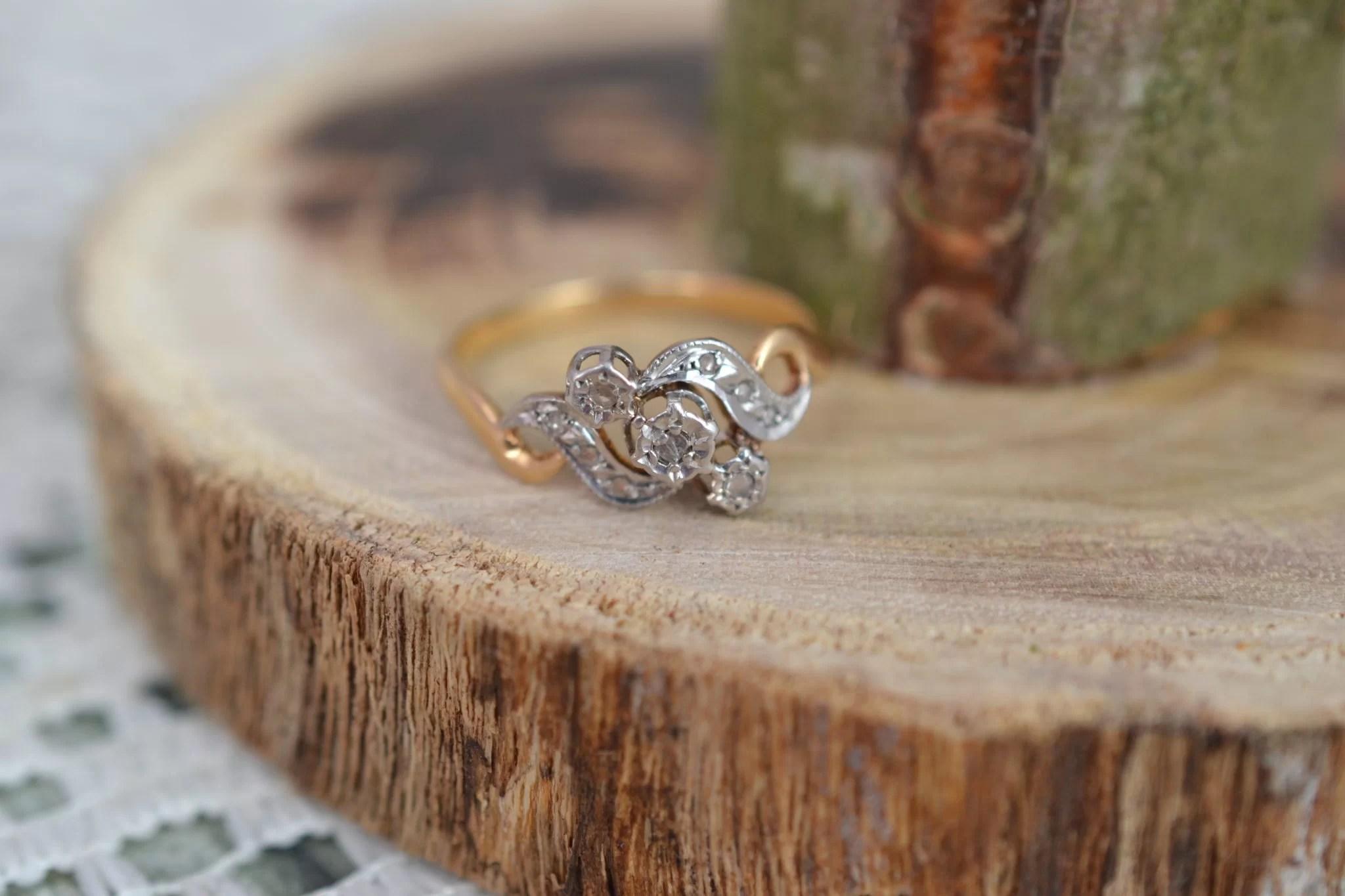 Bague Mouvementée En Or Deux Tons Sertie D_éclats De Diamants, Vers 1900 - Bague Ancienne