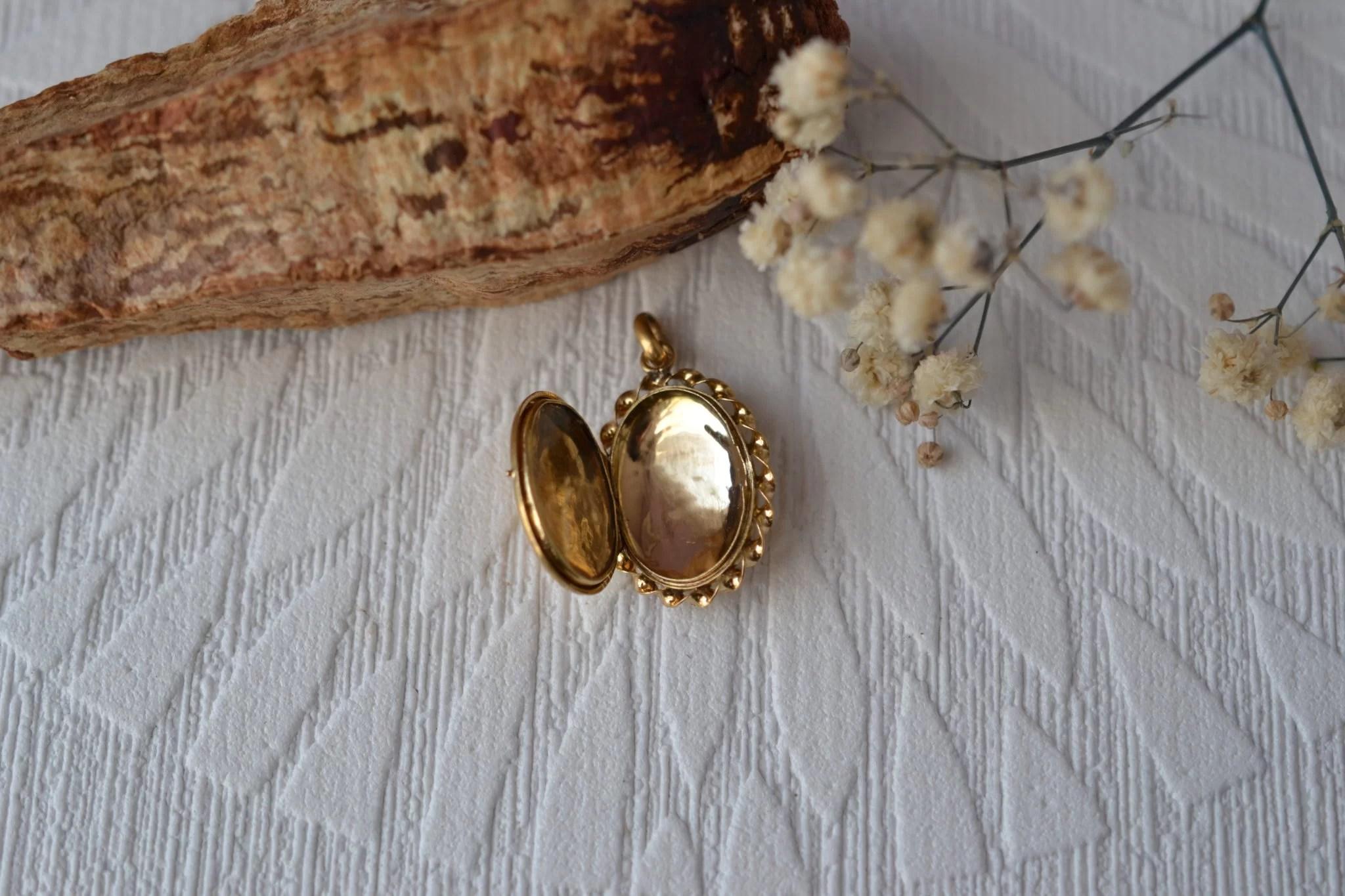 Pendentif médaillon porte-photo en Or jaune, contour torsadé - Bijou Vintage