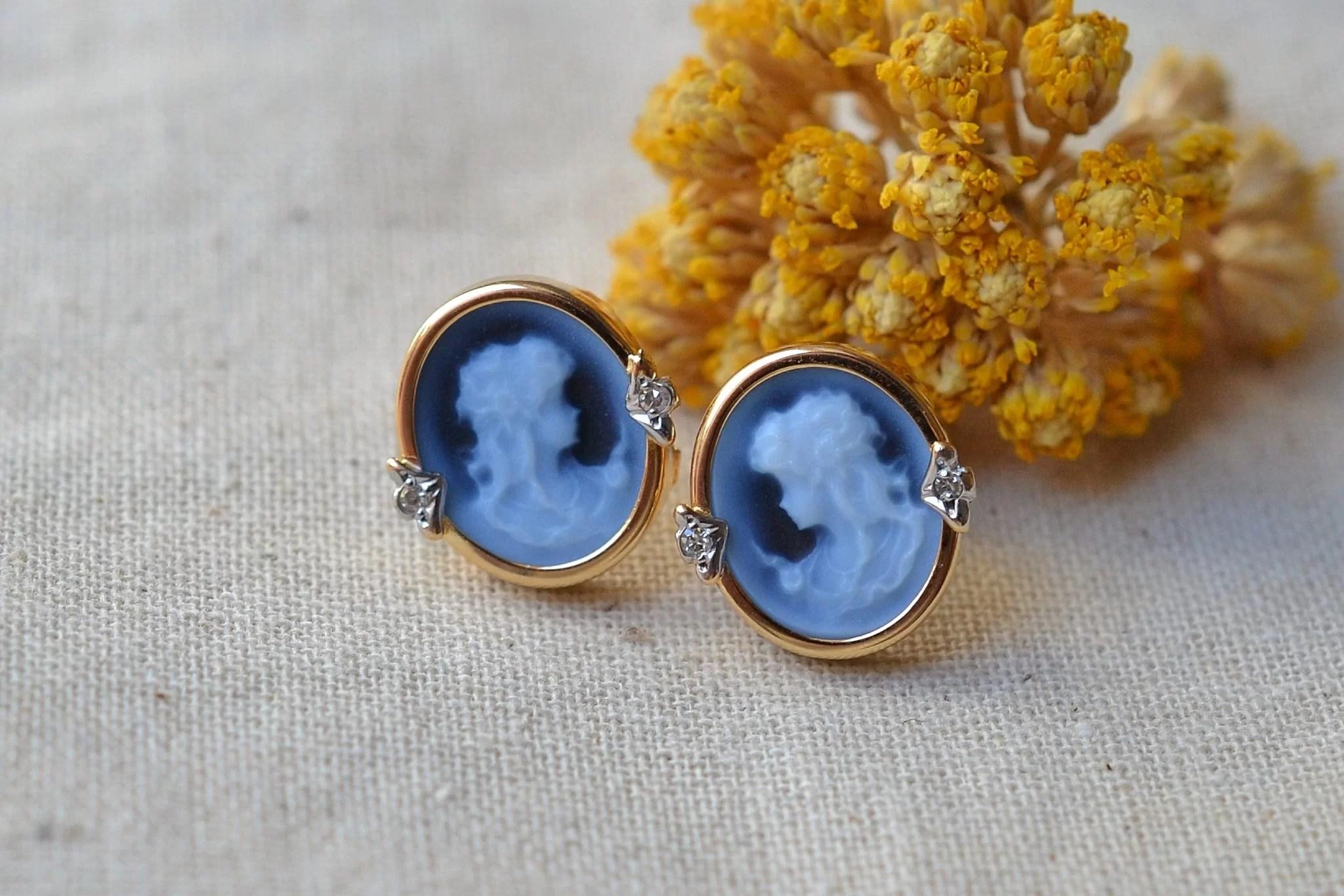 Paire de clous en Or jaune sertis de camées bleus - boucles d_oreilles Vintage
