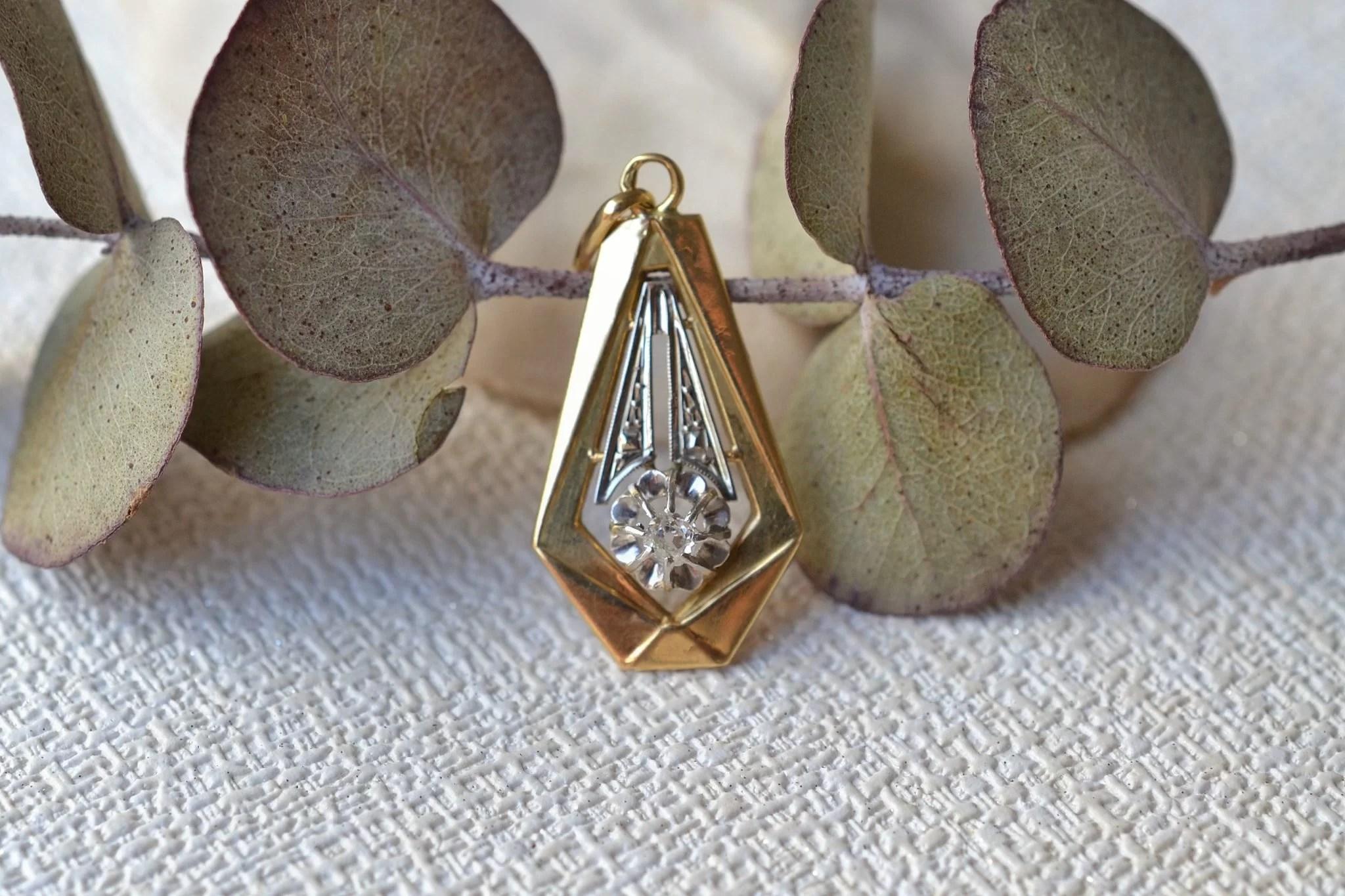 Pendentif en Or deux tons orné d_un petit diamant taille ancienne - bijou Vintage
