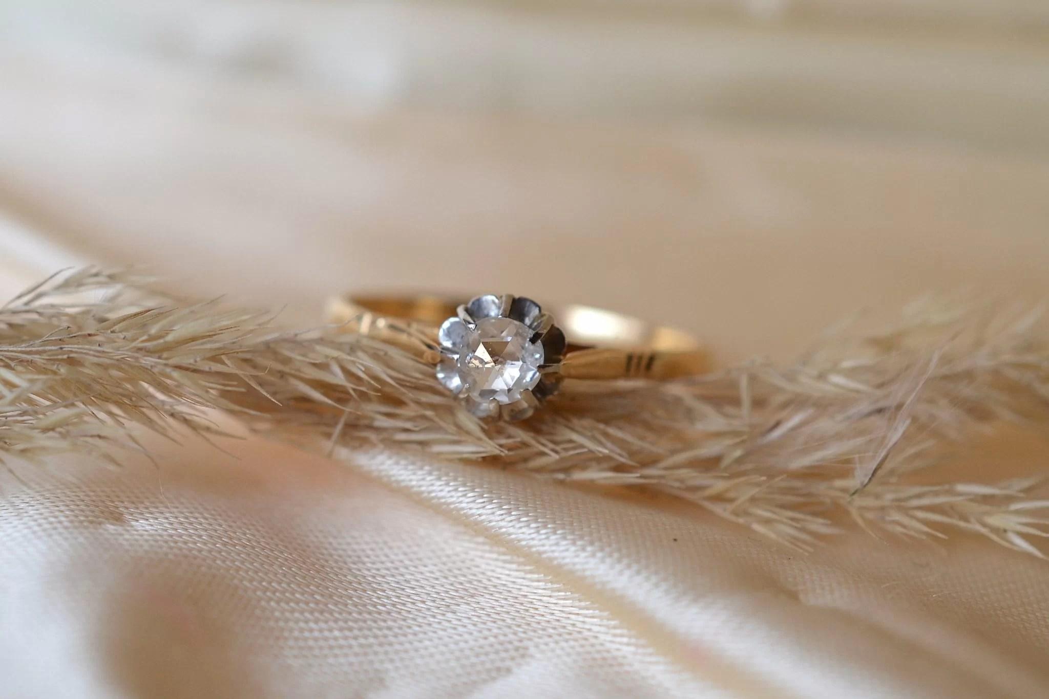 Bague Solitaire En Or Jaune Et Or Blanc Sertie D_un Diamant - Bague Éthique
