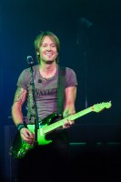 Keith Urban, Rod Laver Arena, Melbourne 2014 photo by Ros O'Gorman