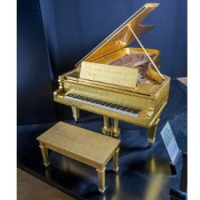 Elvis Presley Gold Leaf Piano, music news, noise11.com