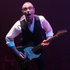 Francis Rossi Status Quo photo by Ros O'Gorman