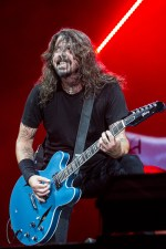 Dave Grohl Foo Fighters at Etihad Stadium on Tuesday 30 January 2018. Photo by Ros O'Gorman