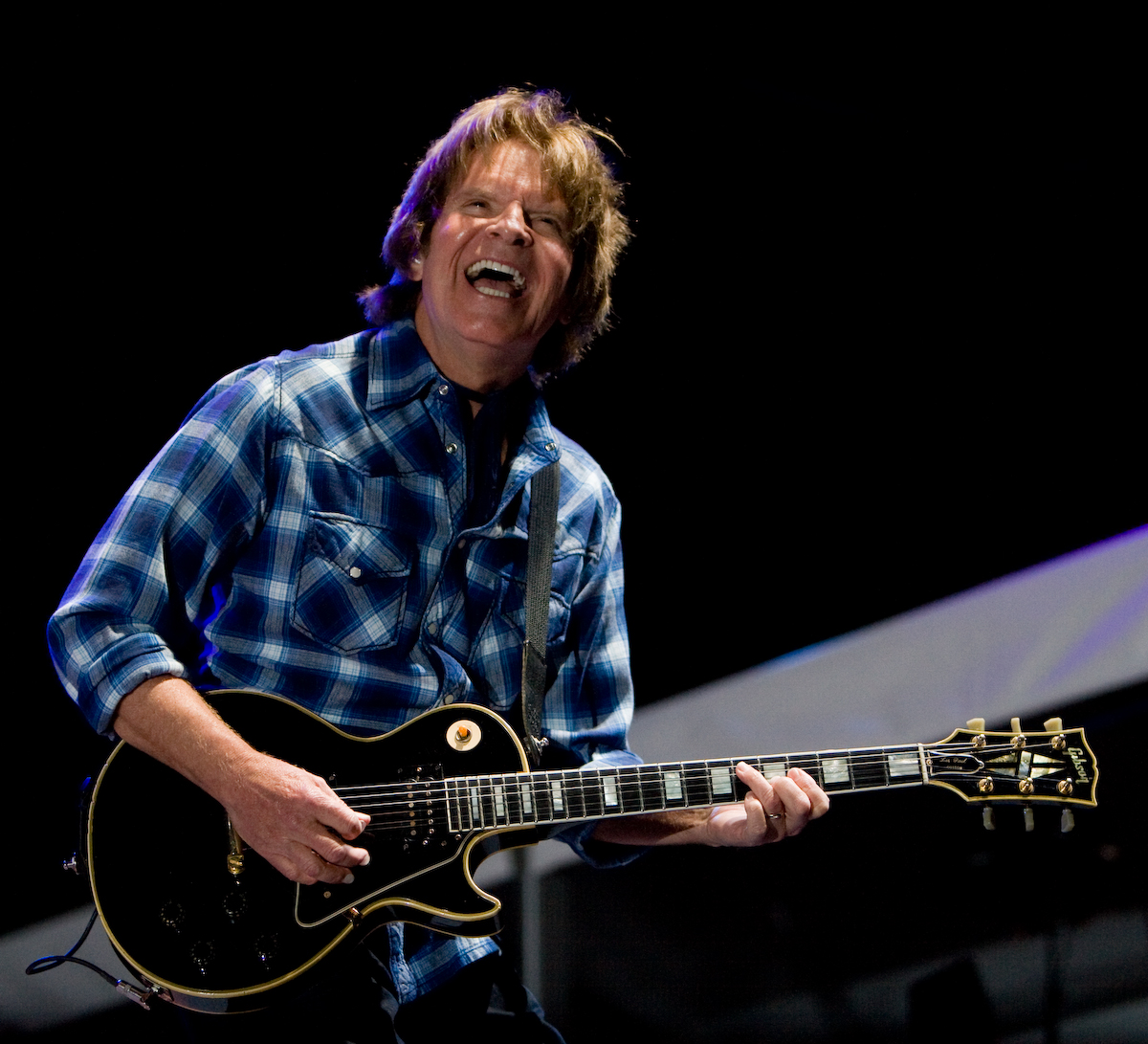 john fogerty joins billy joel to a couple of ccr songs at madison square garden. Black Bedroom Furniture Sets. Home Design Ideas