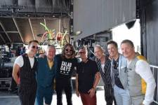 Squeeze with Dave Grohl