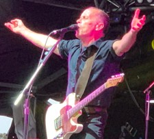 Mark Seymour of Hunters and Collectors at Red Hot Summer Bendigo photo by Noise11