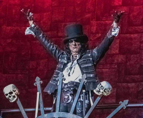 Alice Cooper photo 3by Mary Boukouvalas
