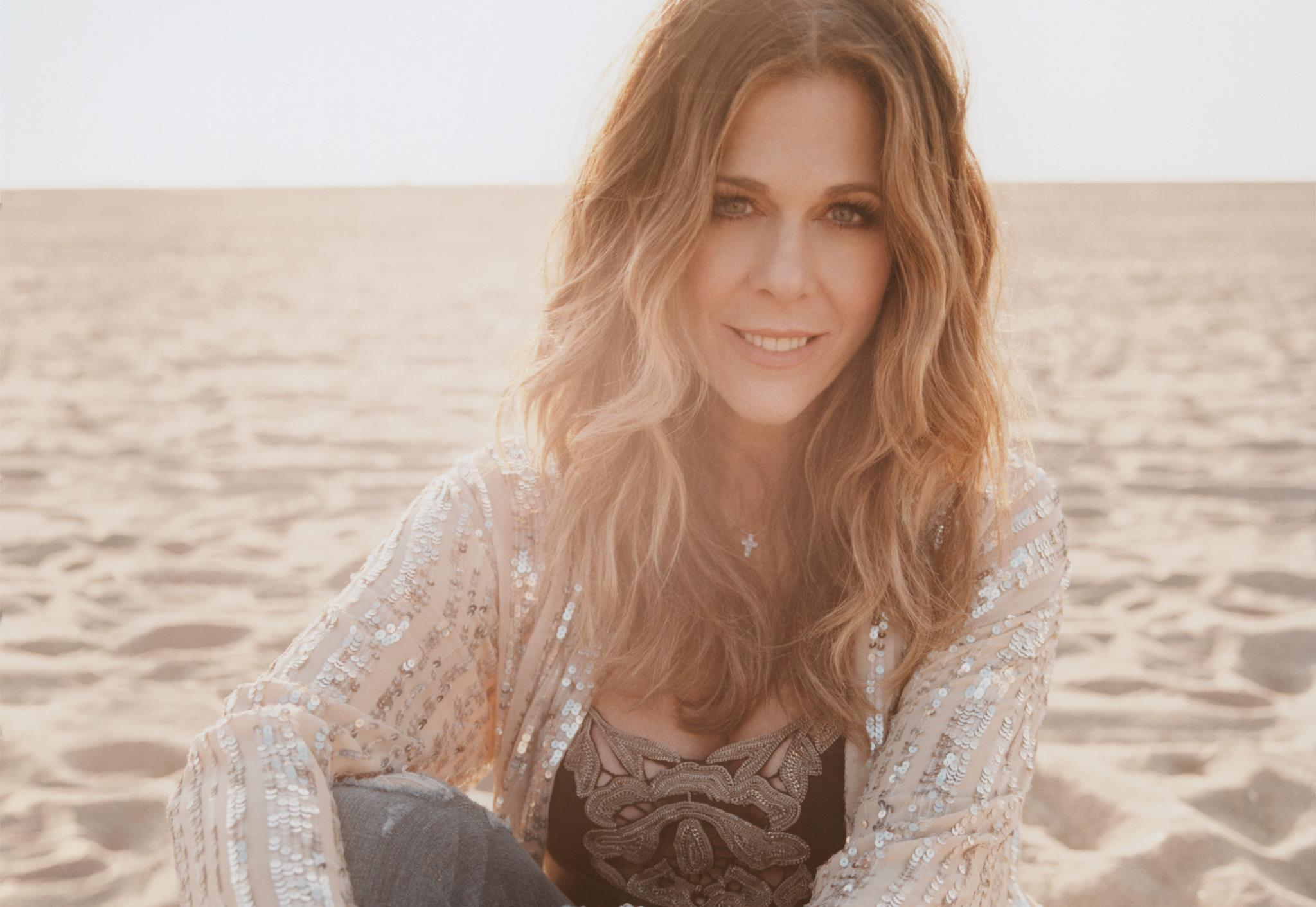 Rita Wilson Performs After Her Coronavirus Diagnosis