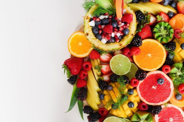 il colore della pelle è influenzato dal consumo di frutta e verdura