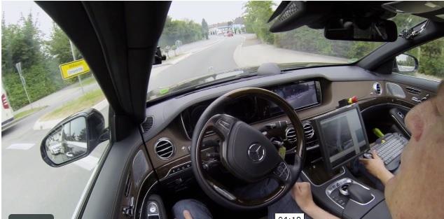 Mercedes-Here