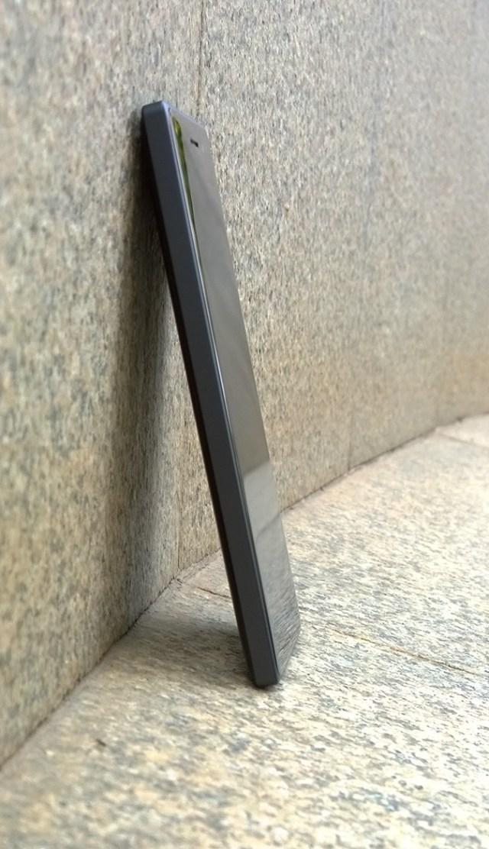 Lumia 830 side NPU