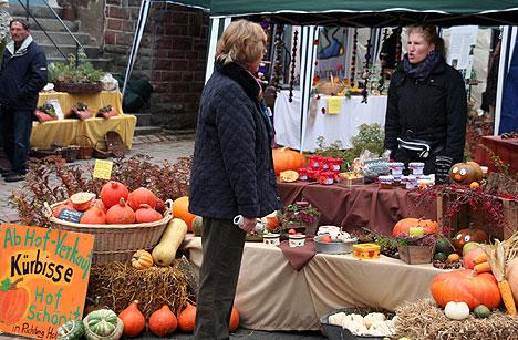 Kürbisse auf dem Bauernmarkt