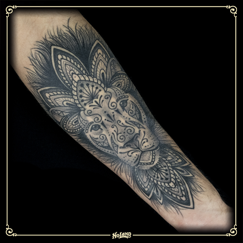 Sento No Land Tattoo Parlour Blackwork Mandala Brazo Leon Lion No