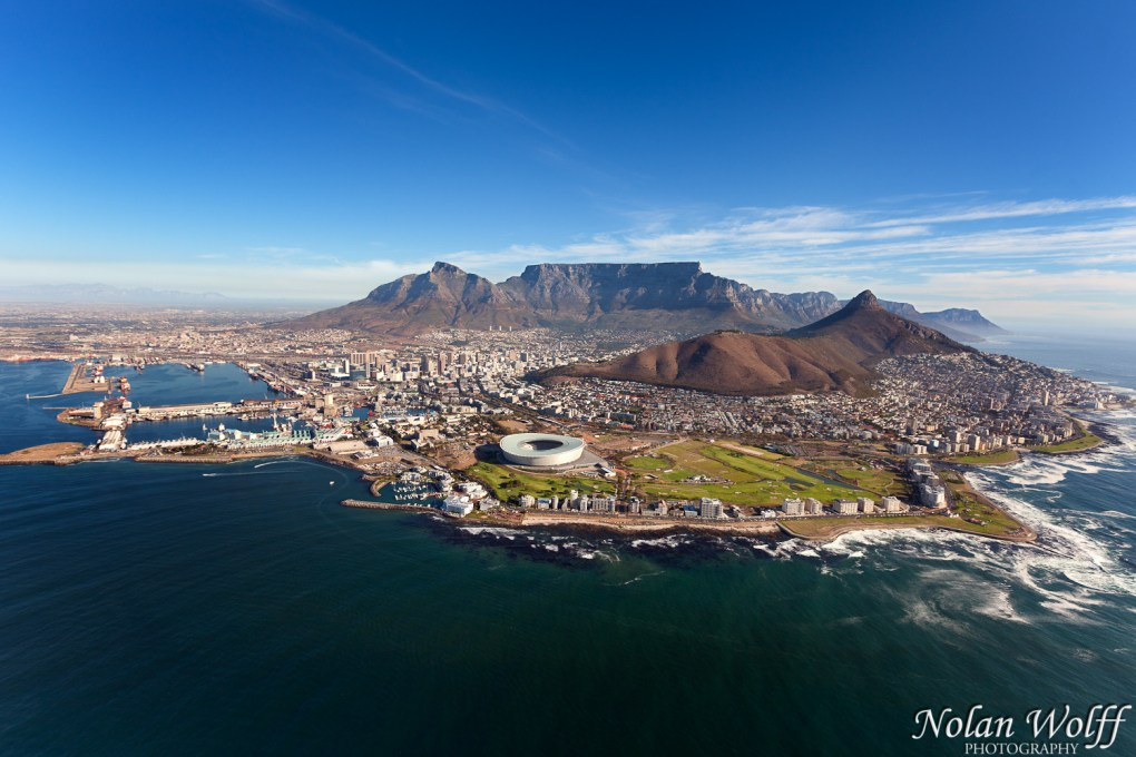 Table mountain and lion 39 s head 454f27171 nolan wolff for Landscaping rocks cape town