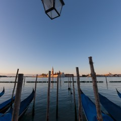 Gondolas at sunrise 2 (454F27675)