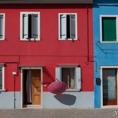 Burano pink umbrella (454F27816)
