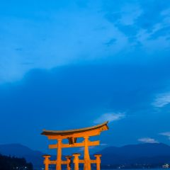 Sunset at Itsukushima Shrine (454F42470)
