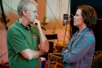 James Cameron y Sigourney Weaver