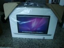 Parte posterior de la caja Macbook Pro.