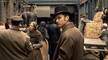 Dr. John Watson (Jude Law)