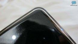 Detalle del acabado transparente en la consola