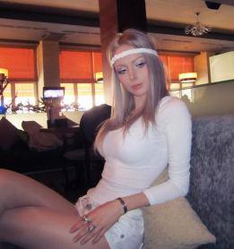 Valeria-Lukyanova-barbie-humana-08