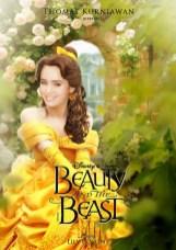 Lily Collins como Bella