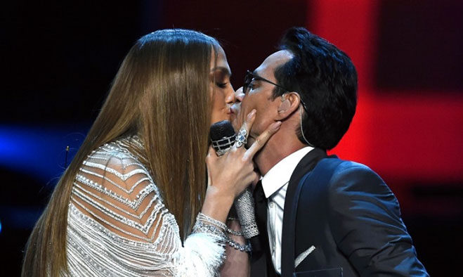 marc-anthony-jennifer-lopez-beso-latin-grammy