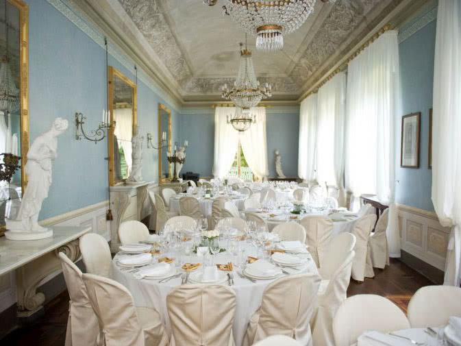 Noleggio sedia vestita per matrimoni ed eventi  Noleggio