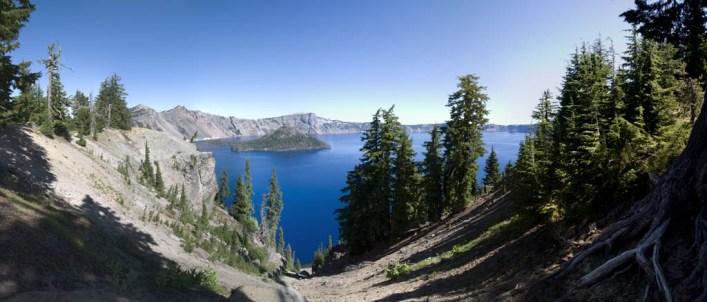 crater-lake-pano