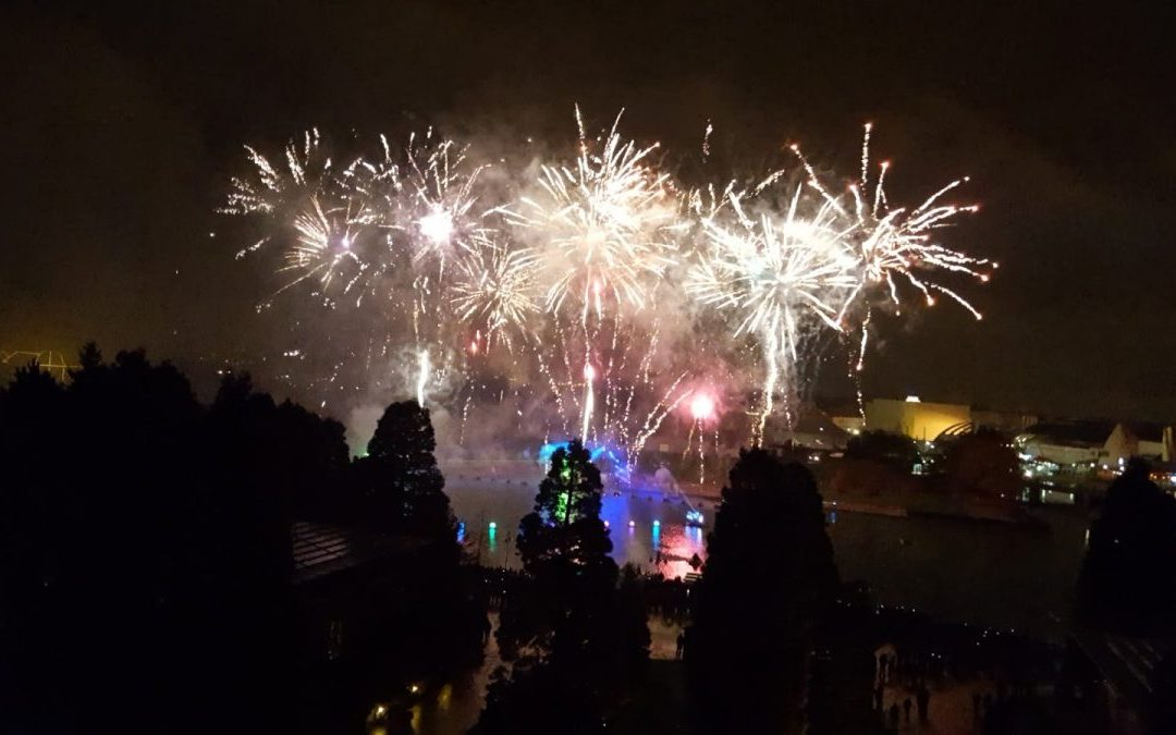 Fireworks from Disney's Sequoia Lodge at Disneyland Paris