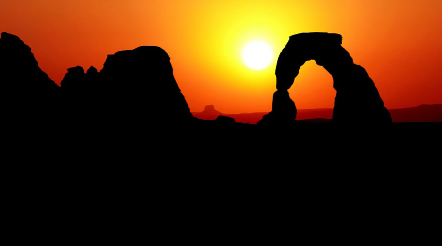 Sunset over Delicate Arch in Arches National Park