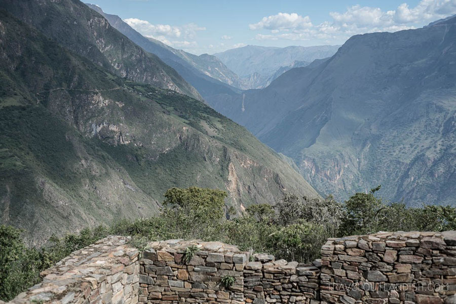 Photo of mountains along the Choquequirao trail, one of the best treks in Peru.