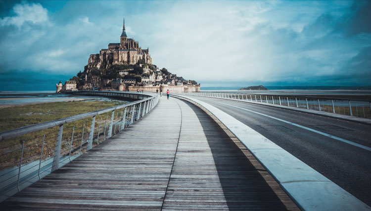 Mont-Saint-Michel located on