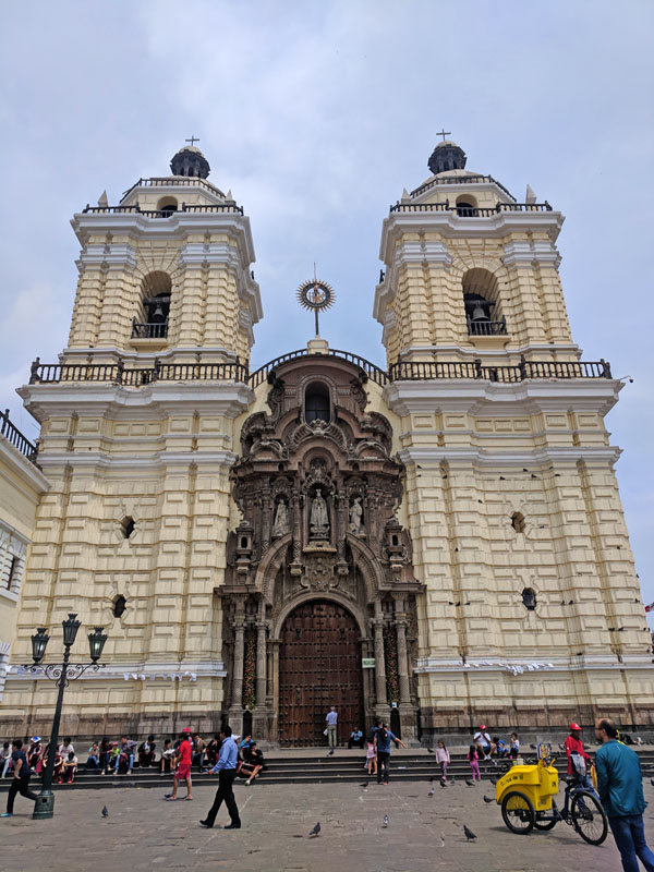Photo of the entrance to Lima's St. Francis Convent and Basilica