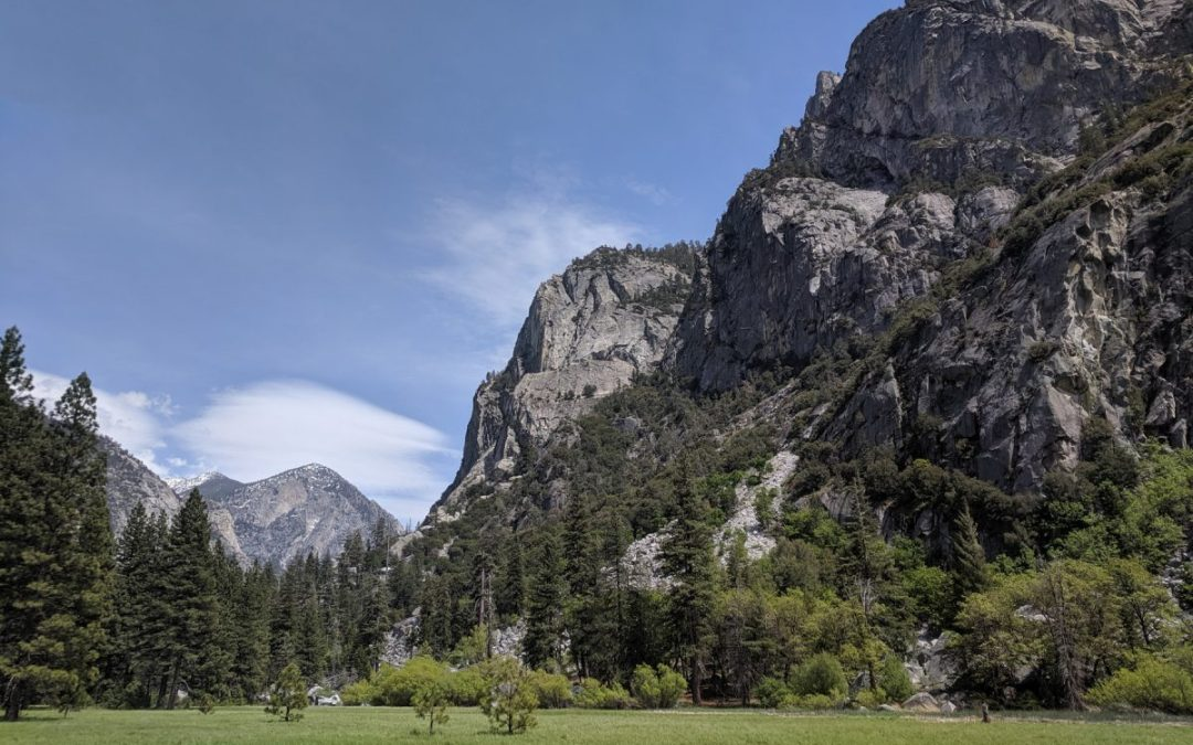 View of cliffs in Kings Canyon National Park