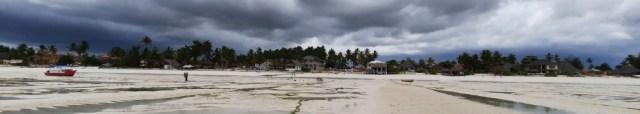 A Digital Nomad's Guide to Zanzibar - The tide can go very far in Zanzibar, especially during the full moon.