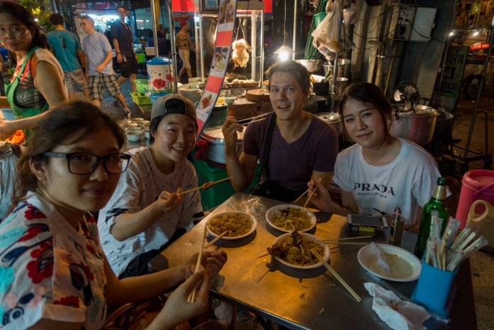 thailand, bangkok, khaosan road, drinking, pad thai