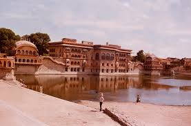 Mathura tourist places to visit in mathura sightseeing - Jal Mahal - Deeg