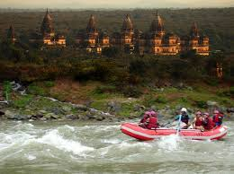Tourist places to visit in Orchha - Best Village to visit in India- Betwa River