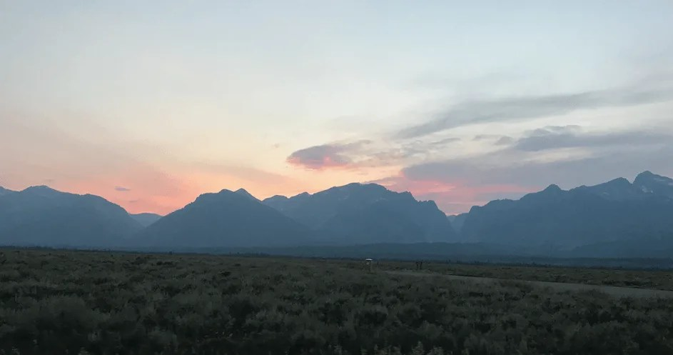 Yellowstone national park one day itinerary-sunset over the Tetons