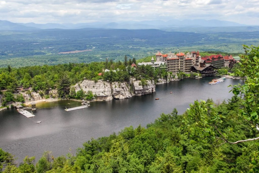 Mohonk Labyrinth and the Lemon Squeeze, Shawgunks, hikes in New York