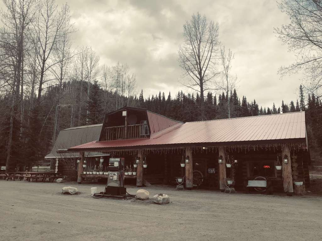 Gas station and lodge along the Alaska Highway