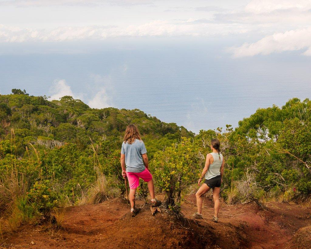 Hiking the Nualolo trail