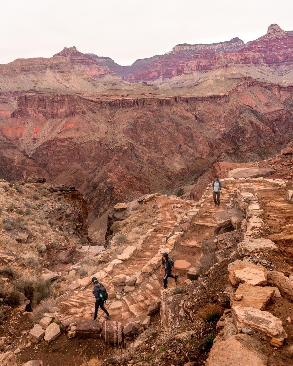 Stunning South Kaibab Trail, Grand Canyon Rim to River
