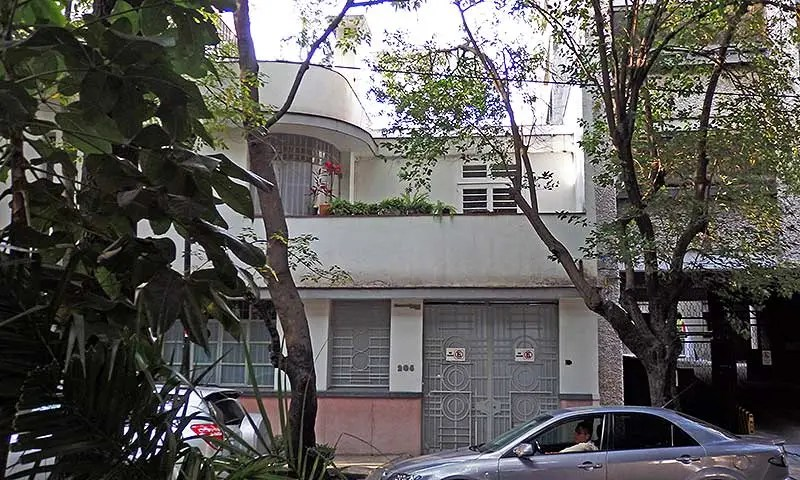 "A ""streamline moderne"" style building in La Condesa, Mexico City"